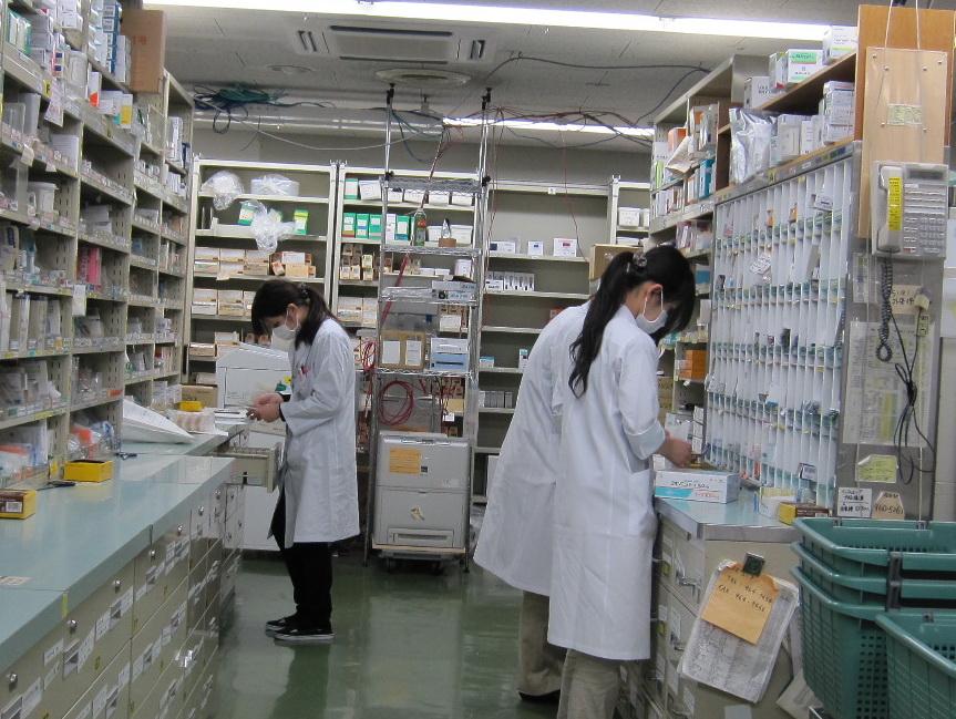 Penerapan Software Akuntansi Accurate Pada Bidang Usaha Farmasi