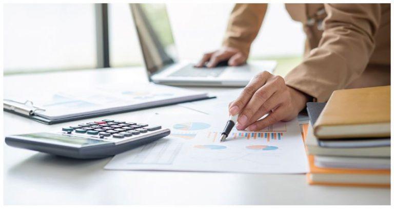 software akuntansi vs konsultan