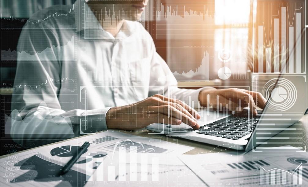 Perbedaan Sumber Daya Manusia VS Software Akuntansi Di Perusahaan