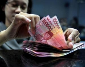 Transaksi Pembayaran Dengan Metode Cash VS Cashless